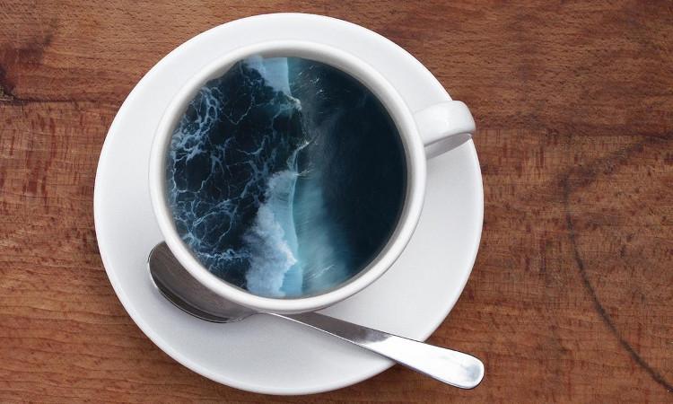 Cà phê thường có bọt và chúng bị tác động bởi áp suất khí quyển.