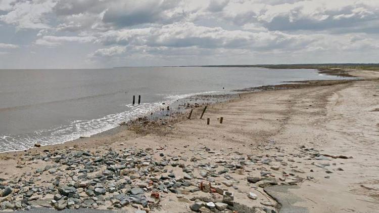 Lớp khoáng chất ở một vài khu vực tại bờ biển Slaughter ở Delaware có hàm lượng muối cao gấp bốn lần so với nước biển.