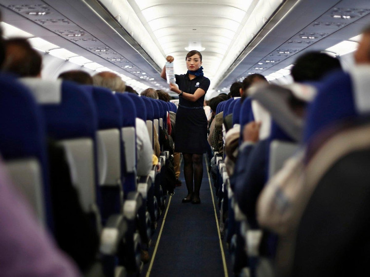 80% các vụ rơi máy bay xảy ra trong trong vòng 3 phút sau khi cất cánh hoặc 8 phút trước khi hạ cánh