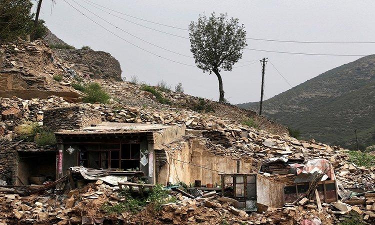 Trong ảnh là khu nhà ở của công nhân bị bỏ hoang nằm cạnh mỏ than tại làng Yongdingzhuang, Đại Đồng, tỉnh Sơn Tây.