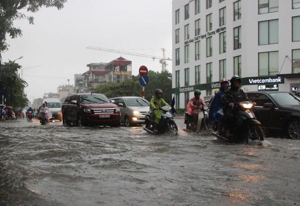 Nước ngập tại khu vực Times City.