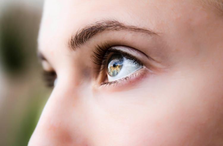 Lớp màng hydrogel có thể giúp người mù nhìn trở lại.