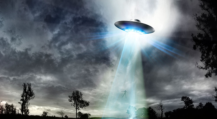 Có phải người ngoài hành tinh đang kiểm soát chặt chẽ loài người?