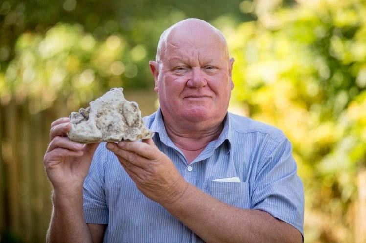 Alan đang rao bán khối sáp với giá 86.000 USD.