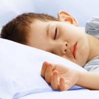 Video: Tại sao trẻ con cần đi ngủ trước 9h tối?