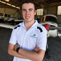 9X lập kỷ lục người trẻ nhất bay vòng quanh thế giới