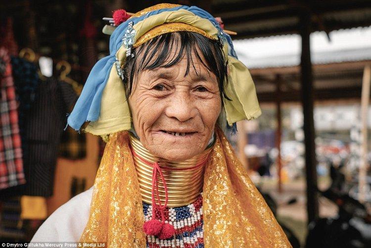 Một người phụ nữ Kayan
