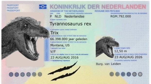 Hộ chiếu được Hà Lan cấp cho chú khủng long Trix.