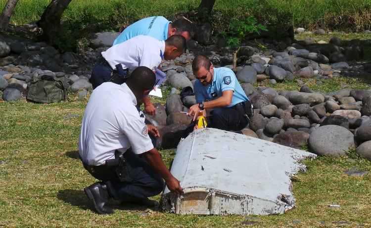 Mảnh vỡ cánh phụ của Mh370 được tìm thấy trên đảo Reunion của Pháp vào tháng 7/2015.