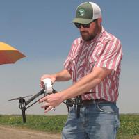 Robot giúp tiết kiệm từng giọt nước tưới trong mùa khô hạn