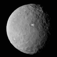NASA phát hiện núi lửa băng bí ẩn trên hành tinh lùn Ceres