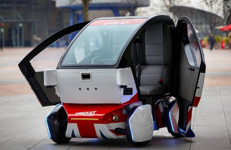 """Các nhà khoa học lo ngại rằng, rất có thể nhưng chiếc xe tự lái cũng sẽ biết """"làm phản""""."""