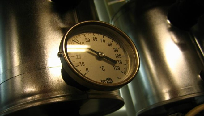 Hiện nay, với quy trình sản xuất hiện đại, dầu chiên mì được làm nóng gián tiếp bằng hơi nước và kiểm soát nhiệt độ bằng hệ thống tự động.