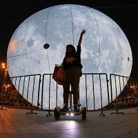 Trung Quốc chế tạo mặt trăng khổng lồ đón Trung thu