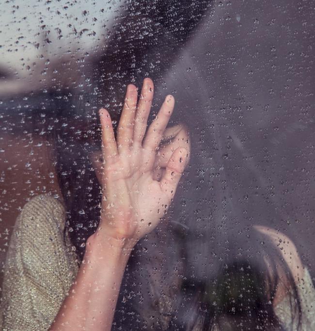 Mưa khiến cho tâm trạng tồi tệ và những cơn đau mãn tính trở nên dữ dội hơn.