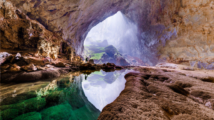 Hang Sơn Đoòng - hang động tự nhiên lớn nhất thế giới.
