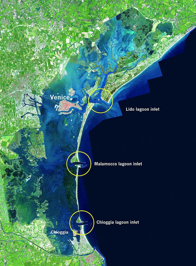 Vị trí ba cửa Lido, Malamoco và Chioggia, nơi 79 cánh cổng của công trình Mose được lắp đặt để chặn nước từ biển Adriatic đi vào phá