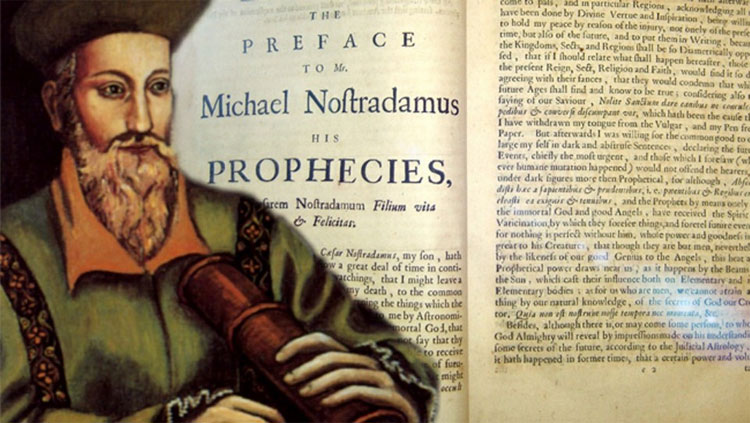 Nostradamus tiên đoán năm 2017 con người có thể đối mặt với cuộc xâm chiếm Trái đất của người ngoài hành tinh.