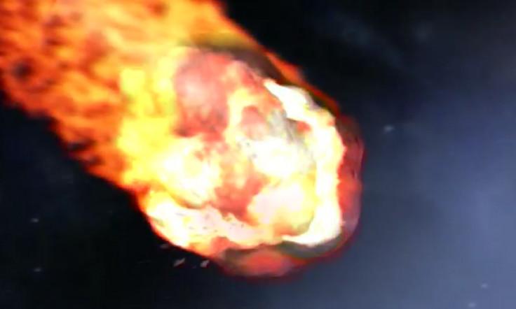Thiên thạch khổng lồ bốc cháy khiến mặt đất và nhà cửa ở bang Queensland, Australia rung chuyển. (