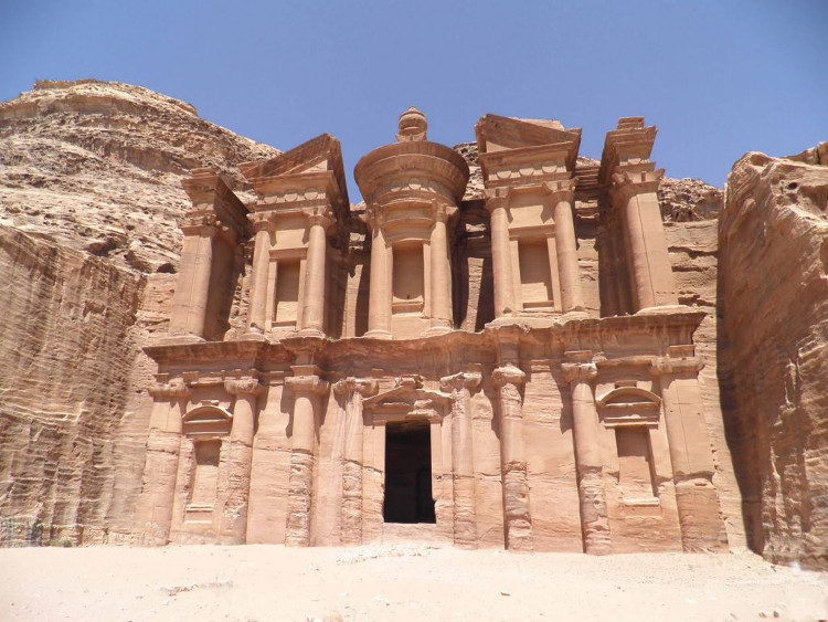 Một tu viện cổ tại Petra.