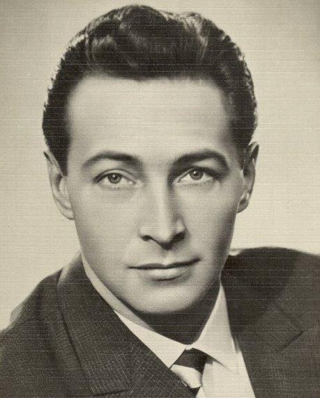 Diễn viên nổi tiếng, nghệ sĩ nhân dân Liên Xô Vyacheslav Tikhonov.
