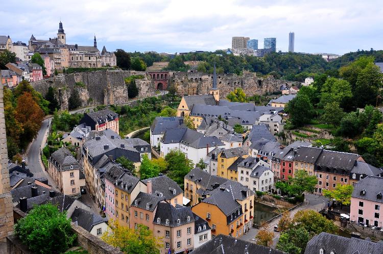 Luxembourg là một quốc gia nhỏ ở châu Âu, thu nhập bình quân đầu người cao