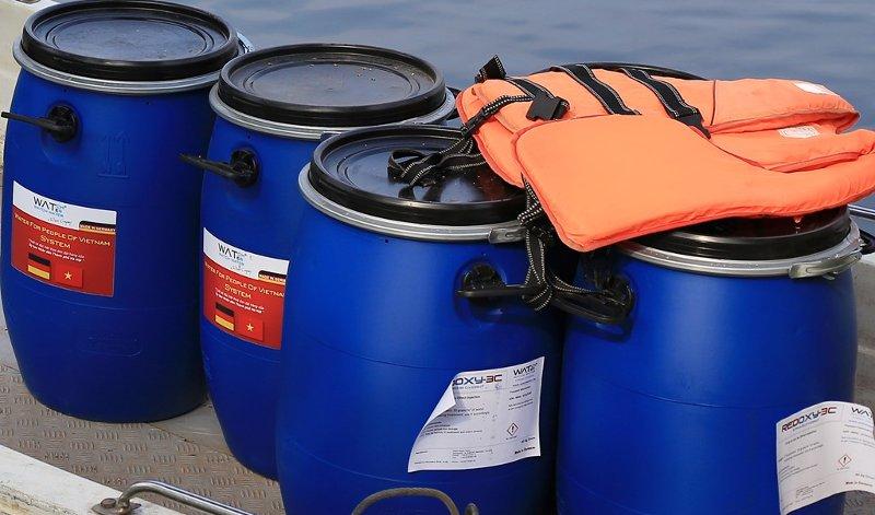 Những thùng chế phẩm được sản xuất theo đơn đặt hàng độc quyền của UBND TP Hà Nội từ Đức.