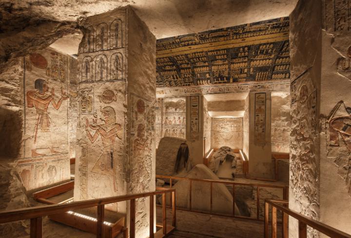 Jakub Kyncl, nhiếp ảnh gia kiêm nhà báo du lịch đã lên kế hoạch đến thăm Thung lũng các vị vua ở Luxor, nơi vua Tutankhamun và những vị vua khác được chôn cất.