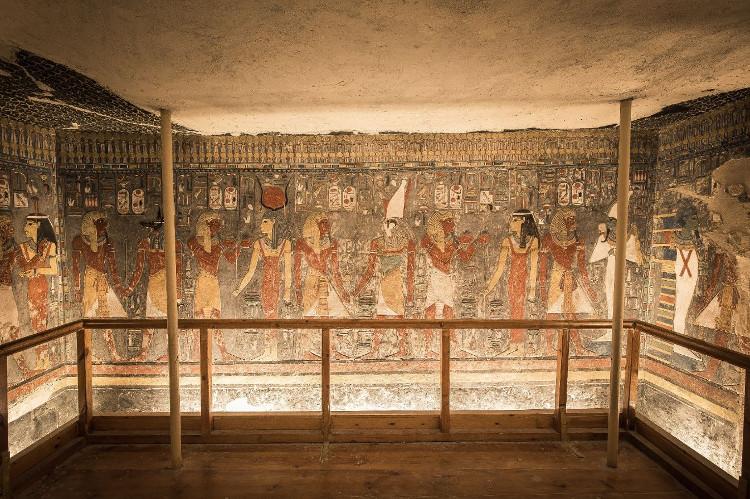 Ai Cập nghiêm cấm việc chụp ảnh bên trong các hầm mộ cổ xưa.