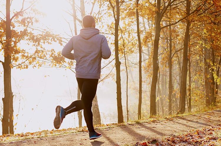 Tập thể dục thường xuyên sẽ giúp phòng tránh SAD.