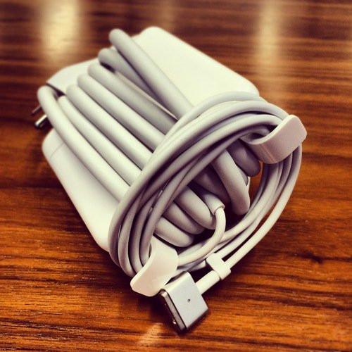"""""""Đôi cánh"""" trên thiết bị sạc của Apple"""