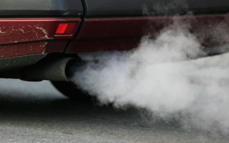 Nhiều tai nạn xảy ra khi ô nhiễm không khí nặng.