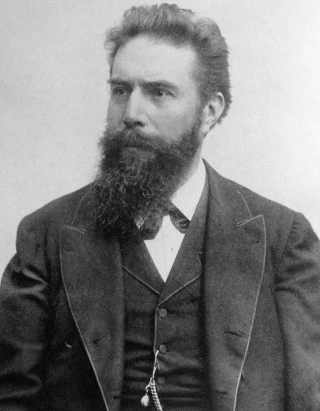 Nhà vật lý Wilhelm Röntgen.