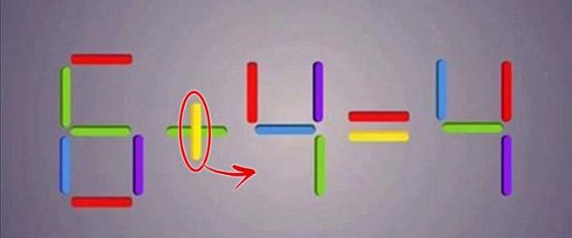 Chuyển que màu vàng từ dấu cộng sang ô dưới que đỏ của số 4.