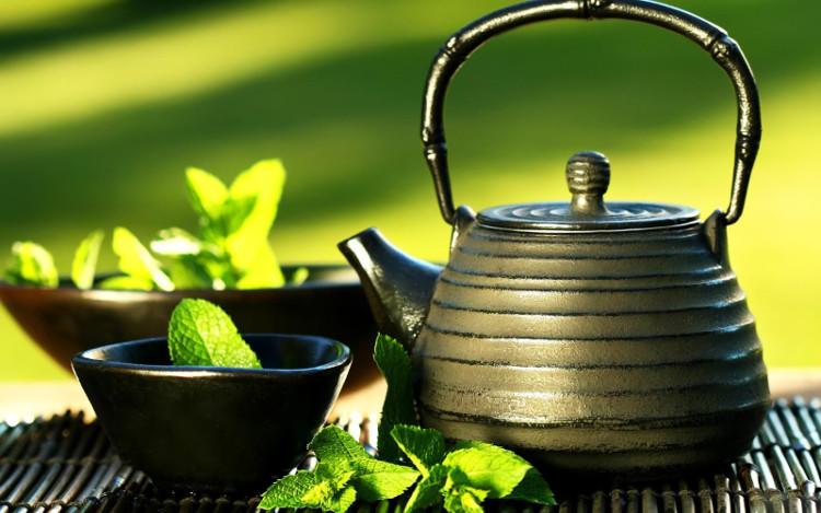 Uống trà xanh giúp ngăn ngừa ung thư.