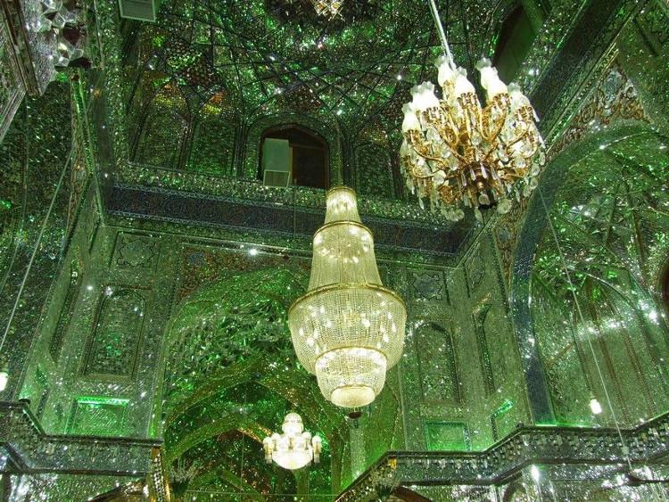 Được hình thành từ thế kỉ thứ 9, nơi đây từng là một trong số các công trình kiến trúc tráng lệ nhất đất nước Ba Tư