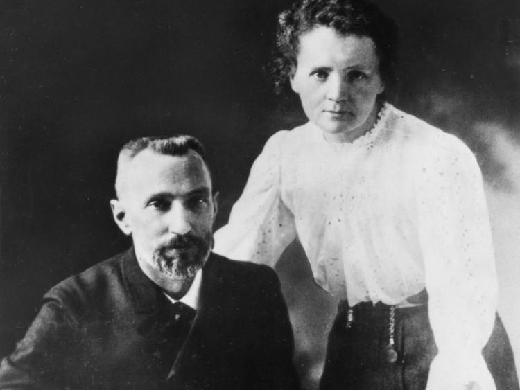 Vợ chồng Marie và Pierre Curie.