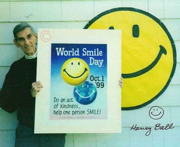Mặt cười do Harvey Ball sáng tạo ra.