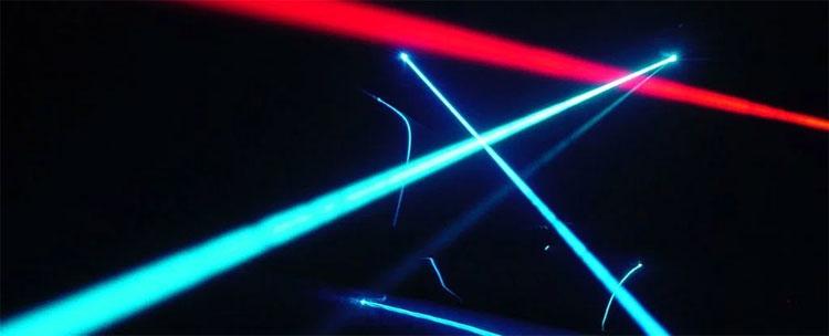 Ánh sáng được tạo nên từ những hạt photon năng lượng cao.