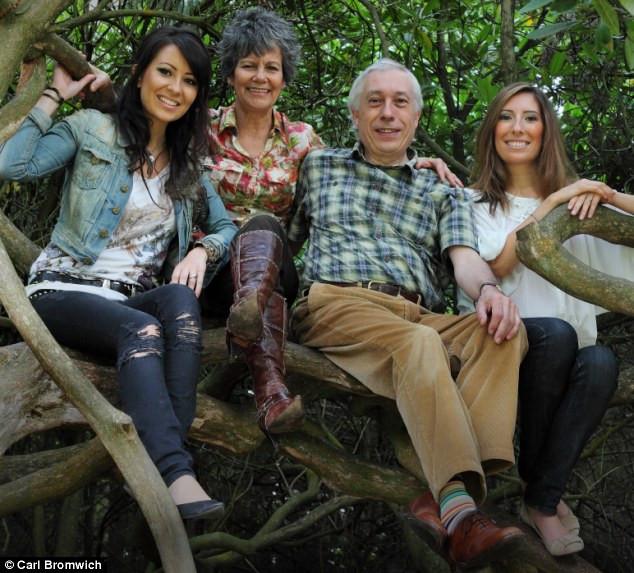 Marina Chapman cùng gia đình.