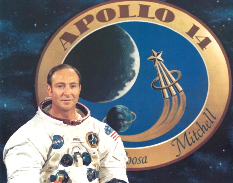 Cố phi hành gia Edgar Mitchell qua đời tháng 2 năm 2016.