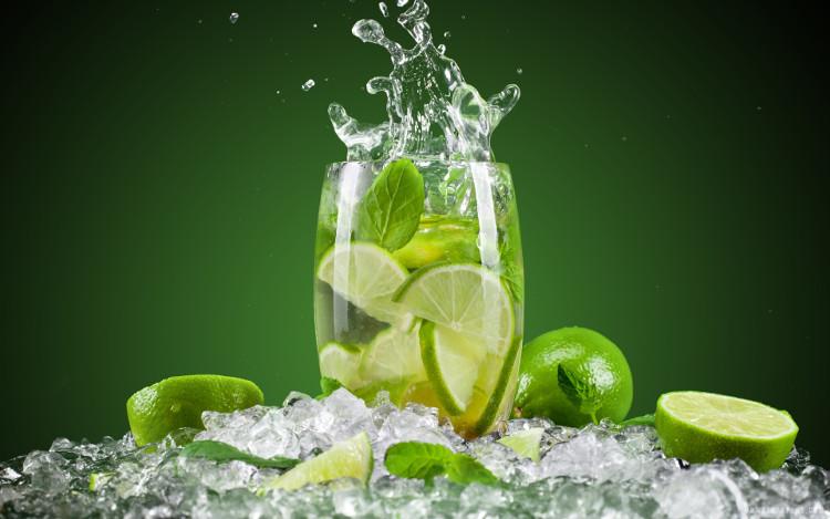 Nước chanh có thể cân bằng tính axit nhờ những thành phần kháng viêm bên trong.