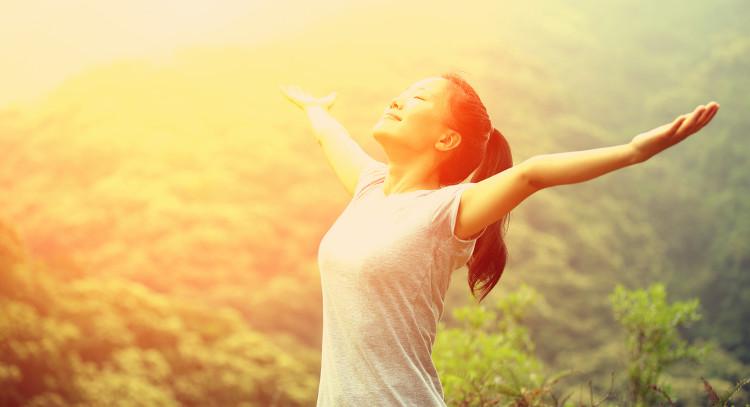 Carbohydrate tham gia vào quá trình sản xuất serotonin, thúc đẩy cảm giác bình tĩnh, thư giãn, hạnh phúc và tập trung.