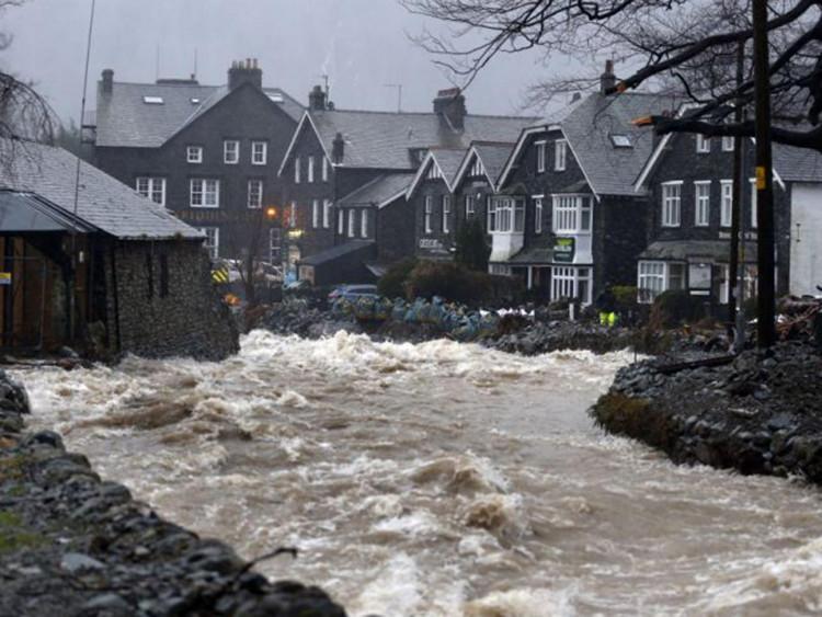 Sự phát triển dân cư trên vùng đất mới có thể làm tăng nguy cơ lũ lụt, đặc biệt là khi việc xây dựng làm thay đổi dòng chảy tự nhiên.