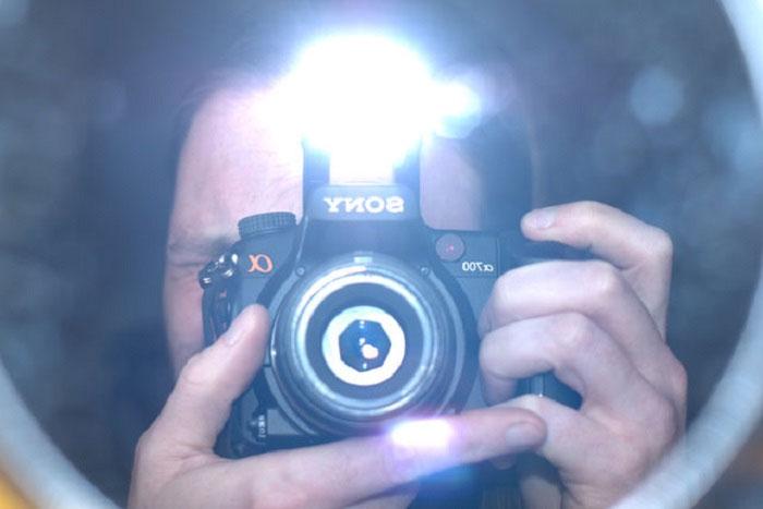 Đèn flash thực sự không quá sáng như bạn nghĩ.