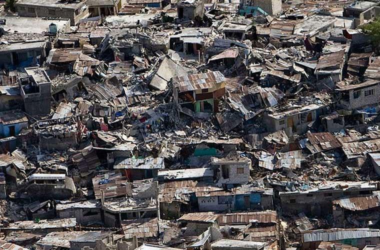 Động đất 7 độ Richter ở độ sâu 8,1 dặm đã làm rung chuyển Haiti vào ngày 12/1/2010.