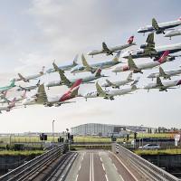 Những khoảnh khắc đẹp tại sân bay trên thế giới