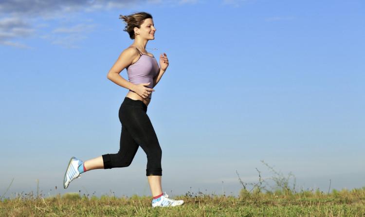 Tập thể dục buổi sáng giúp bạn tràn đầy sinh lực cả ngày.