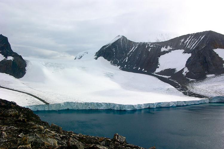 Tốc độ tan chảy và sự biến đổi từ sông băng này sang sông băng khác vẫn là những khái niệm mơ hồ.