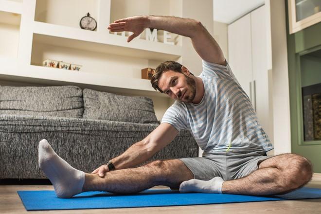 Kéo căng, duỗi cơ thể thường xuyên giúp cải thiện chiều cao và hoạt động của động mạch.